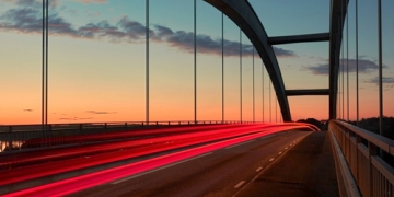 Bridging Documents, Processes & People in the O2C Cycle...